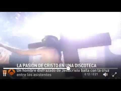Polémica en una discoteca por un 'show' de Cristo bailando con la cruz