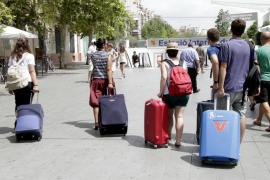Los ciudadanos de Baleares apoyan el alquiler turístico aunque admiten sus desventajas
