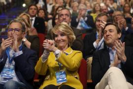 Una «conmocionada» Aguirre insiste en la inocencia de González: «No ha podido hacer semejante cosa»