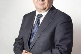 Ingresado en Ibiza el presidente de la Diputación de Jaén por un problema coronario