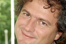 Mario Riera presenta 'Regreso a Abisinia', un viaje de ida y vuelta a través de la paternidad