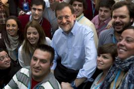 Rajoy planteará una revisión de las pensiones de los parlamentarios