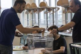 Abren los colegios electorales en Francia para la primera vuelta de las presidenciales