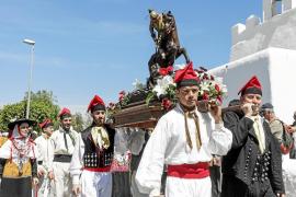 Sant Jordi rinde pleitesía a su patrón