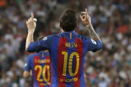 El Barcelona gana el Clásico en el descuento y se sitúa líder