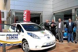 Nigorra entregó un eléctrico al municipio de Valldemossa