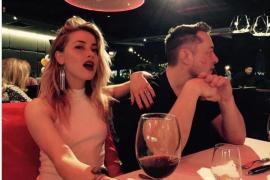 La actriz Amber Heard y el millonario Elon Musk oficializan su relación