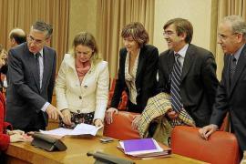 El Parlament pide al Govern que impulse el desarrollo del Estatut