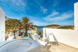 Barceló invierte 8 millones en reformar un hotel en Ibiza «sólo para adultos»