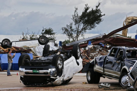 Ascienden a diez los muertos por los tornados e inundaciones en EEUU