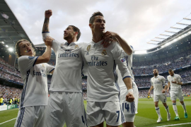 Tres goles de Cristiano acercan al Real Madrid a la final
