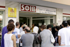 El paro en Balears baja un 17,16% en abril y se sitúa en 48.294 desempleados