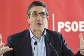 El equipo de Patxi López entrega 12.000 avales de militantes para su candidatura a las primarias