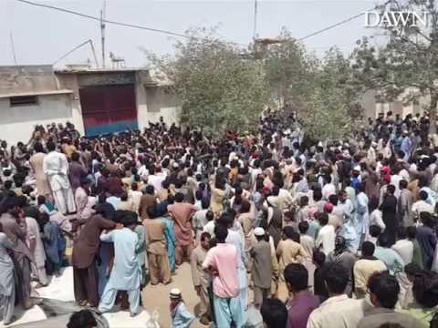 Una turba ataca una comisaria para linchar a un detenido por blasfemia en Paquistán