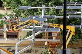 La oposición de Vila critica el nuevo árbol solar de Vara de Rey y pide su retirada