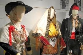 Tres exposiciones para la renovación de Can Ros
