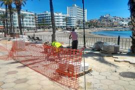 Vila sustituye 250 metros cuadrados de baldosas estropeadas en el paseo de ses Figueretes