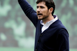 El Betis destituye a Víctor Sánchez del Amo y elige a Alexis Trujillo como sustituto