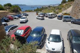 Los vecinos de la calle Mayor de Dalt Vila piden aparcar en el Soto