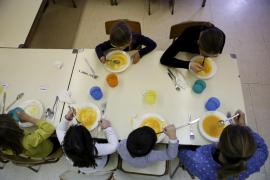 El Govern mantiene 2,1 millones para ayudas de comedor