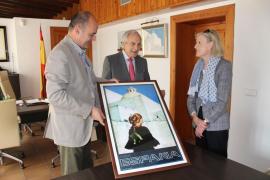 Santa Eulària recibe un cartel promocional de la España de 1971 con una imagen del Puig de Missa