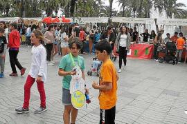 Medio millar de estudiantes participan en el mercado ICAPE