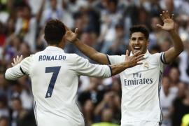 El Real Madrid despide la temporada en el Bernabéu con una goleada con aroma a título