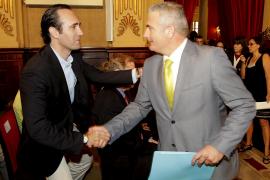 Font dimite, abandona el PP y fuerza a Bauzà a entrar en el Parlament
