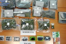 La Policía Nacional desarticula un punto de venta de marihuana y hachís en Ibiza
