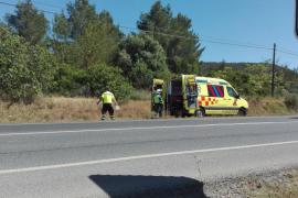 Un motorista sufre politraumatismos tras colisionar con un camión en Santa Inés