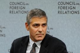 George Clooney no puede  ni ver a Angelina Jolie