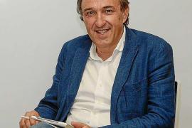El candidato a rector Rafael Crespí visita la sede pitiusa de la UIB