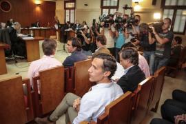 El menor de los Ruiz-Mateos responsabiliza al padre de la presunta estafa