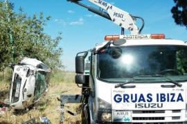 Herida tras ser golpeada y sacada de la carretera por otro coche que se dio a la fuga en Sant Antoni