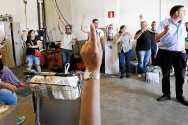 La huelga de limpieza en el aeropuerto se recrudece por los impagos a los trabajadores