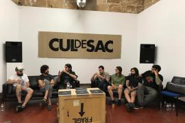 Gonzalo Aenas, Àlex Coll, Tomeu Canyelles, Tomeu Mulet, Aina Climent, Xavi Forné y Carlos Padilla, ayer, durante la mesa redonda