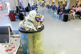 La imagen del aeropuerto ya es dantesca