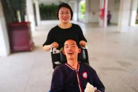 'Revive' del coma gracias a su profesora
