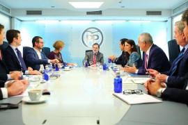 Rajoy presume de que el suyo es un «partido unido» que trabaja por España