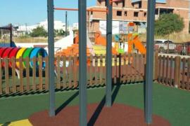 Vila instala nuevos elementos para la práctica del deporte en el barrio de es Viver