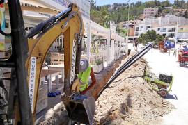 Indignación en Cala Vedella por el «caos» de las obras de la red de agua