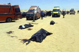 Al menos 28 muertos en un ataque contra un autobús de coptos en el centro de Egipto