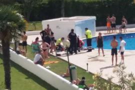 El niño de 7 años accidentado en una piscina de Ibiza se encuentra estable dentro de la gravedad