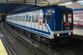 Un joven de 13 años pierde las dos piernas al ser arrollado por el metro