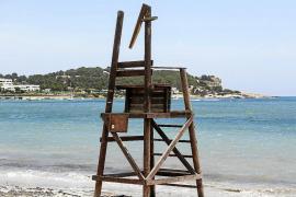 La torre de los socorristas de Talamanca queda inutilizada tras un acto vandálico