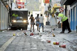 Los trabajadores de la limpieza de Sant Antoni, más cerca de ir a la huelga en agosto