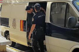 El juez envía a prisión a tres de los cuatro detenidos en el golpe contra una organización de origen chino