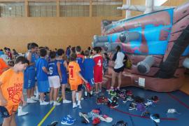 Fernando Romay clausura en Can Guerxo las jornadas de formación (Fotos: Marcelo Sastre)