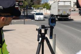 La Policía Local de Santa Eulària interpone 52 sanciones por exceso de velocidad con el nuevo radar portátil