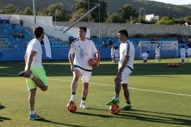 45 niños entrenarán esta semana en Can Misses a las órdenes de Reyes, Coke y Capdevila